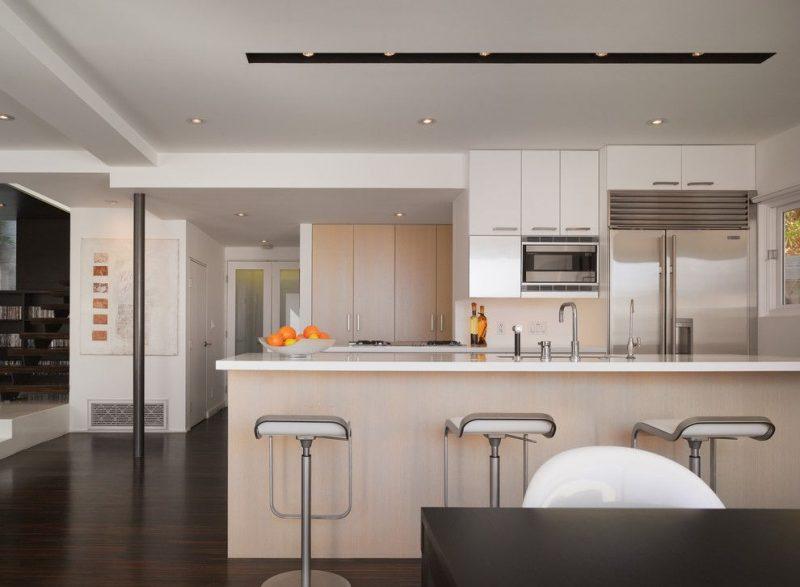 Luminária pontual para iluminação da bancada da cozinha