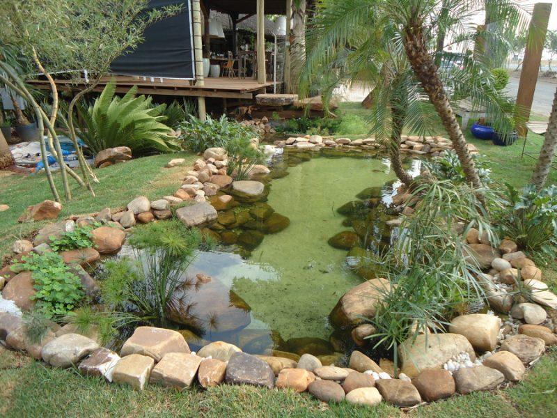 Cascalhos para decorar fundo de lago artificial