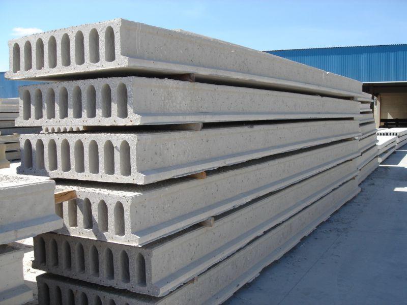 As lajes alveolares podem ser empilhadas, ocupando o mínimo de espaço no canteiro de obras