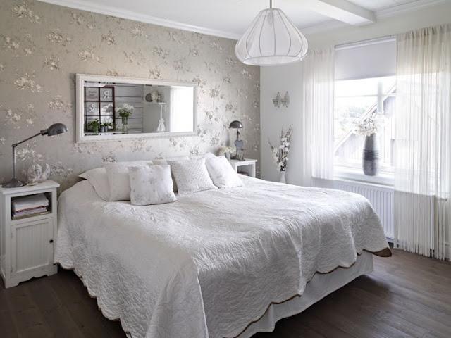 Tons de cinza também são uma opção boa na hora de escolher o papel de parede para quarto de casal de sua casa