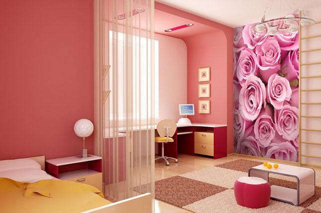 Uso de tons avermelhados em papel de parede para quarto de casal pode resultar em um acabamento muito aconchegante para o seu ambiente, por serem cores quentes