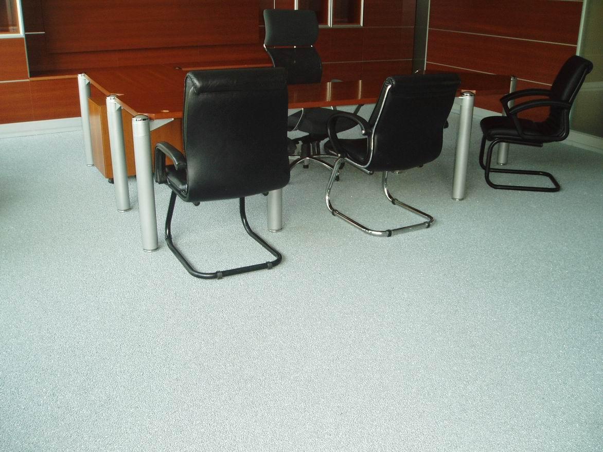 Piso Epoxi em sala de reuniões - esse piso serve tanto para áreas industriais quando comerciais ou residenciais