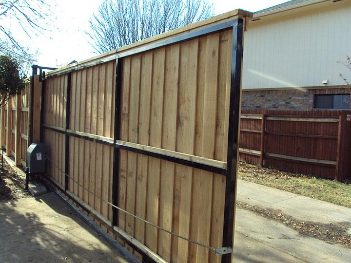 portão automático de madeira