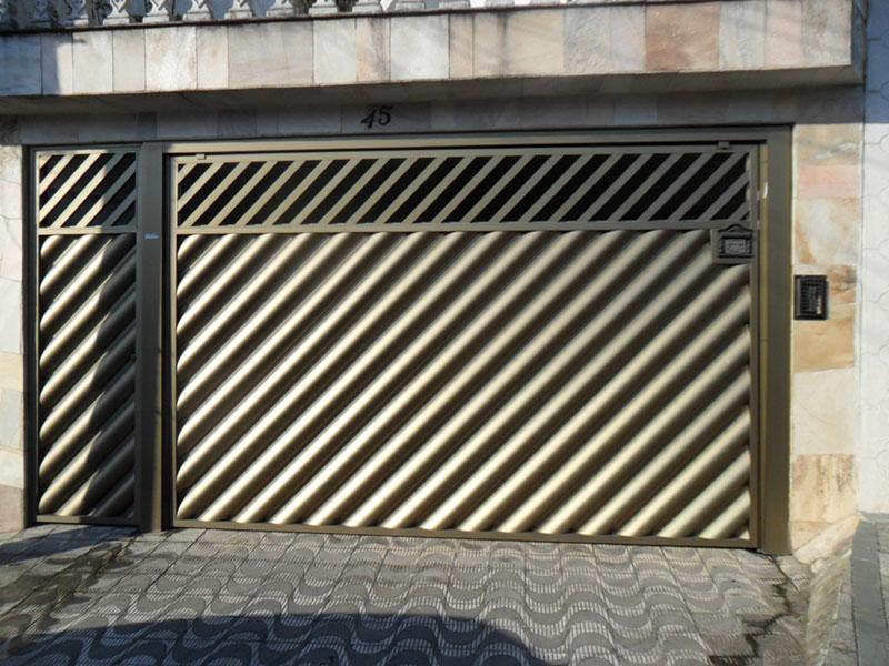 Portão tubular de alumínio