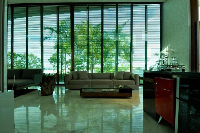 Por ser um material muito polido, o Granito causa um certo efeito espelho no piso