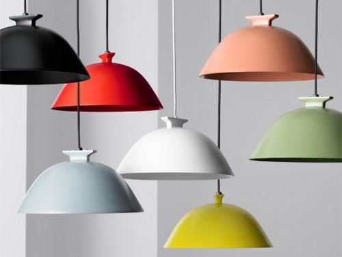 luminárias pendentes coloridas