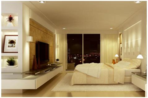 quarto com painel de madeira para TV e móveis planejados