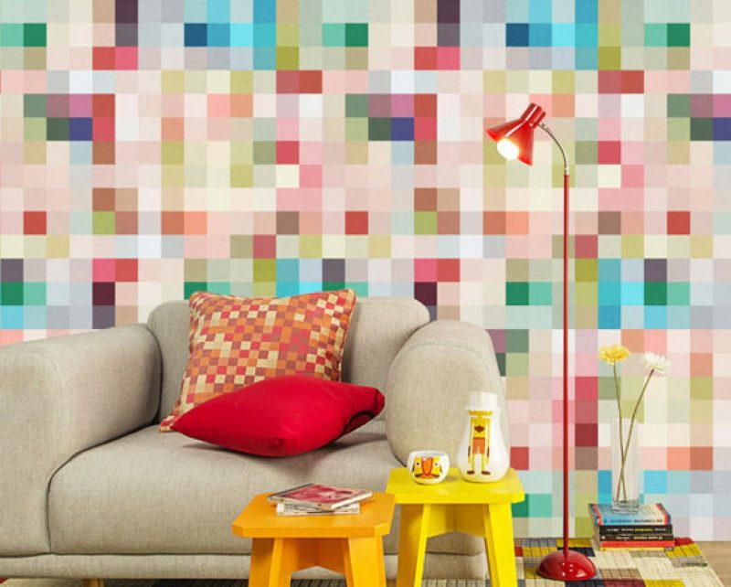Revestimento de sala com adesivos coloridos