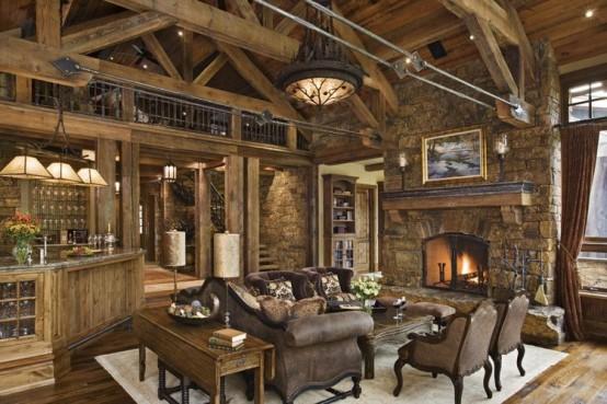 Casa de madeira rústica com estrutura do telhado aparente