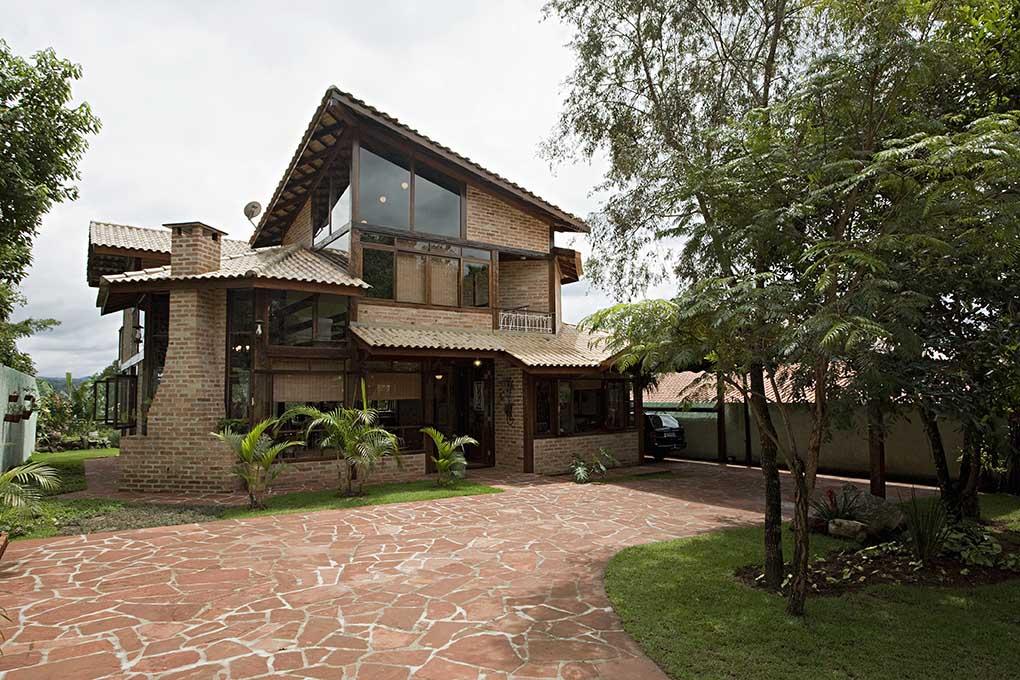 casa campestre de dois pavimentos de estilo moderno