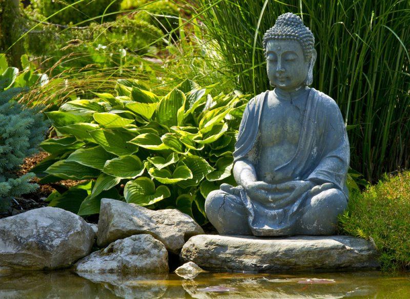 Estátua de Buda para recanto no jardim