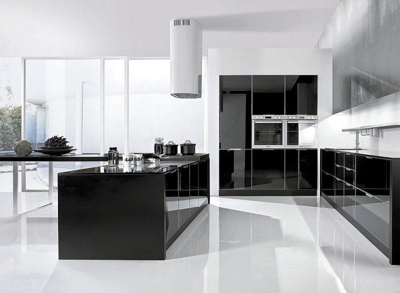 Decoração de cozinha americana com cores branco e preto