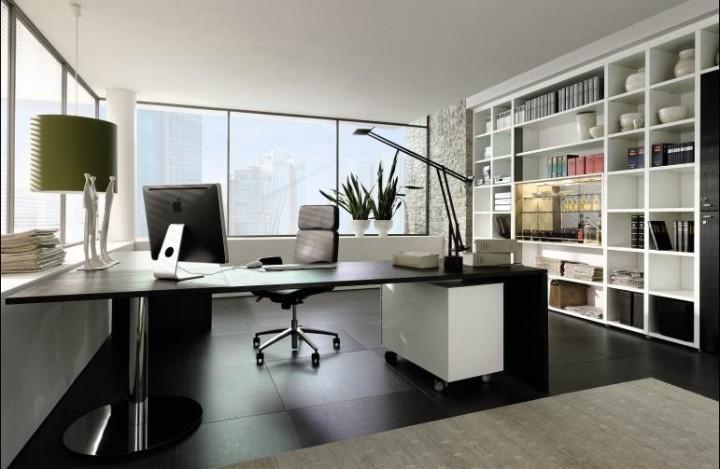 A decoração com móveis preto e branco é sempre um acerto em casas com revestimento branco