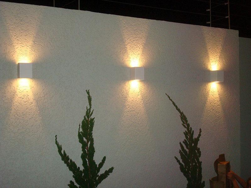 Iluminacao Para Quarto Mercado Livre ~ Muro decorado com arandelas externas que possuem tanto um efeito