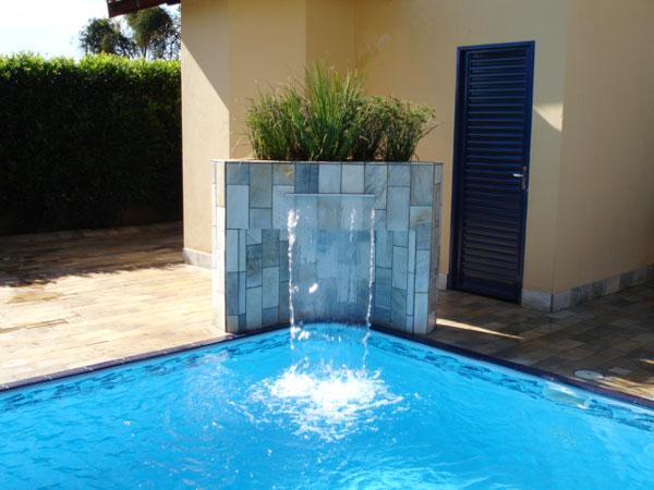 Modelo embutido de canto de cascata para piscina
