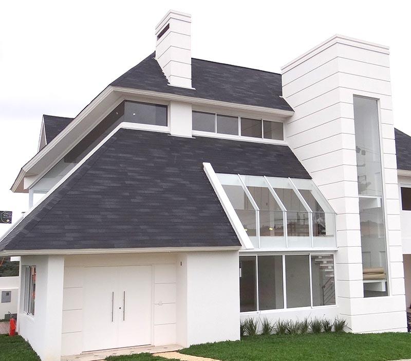 projeto usando telha shingle cinza escuro