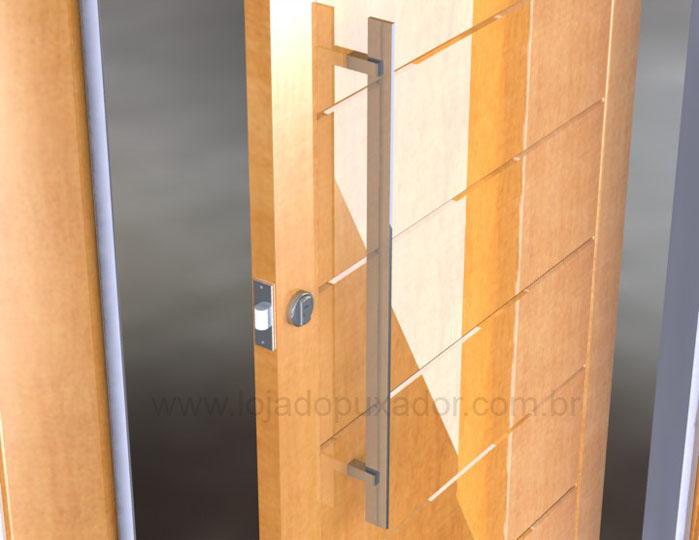 """Modelo """"Sabre"""", comprido e estreito, em metal cromado, uma opção muito elegante para abertura de portas"""