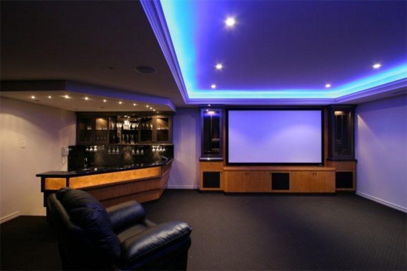 Decoração de quarto feita com Sanca de Gesso com LED azul