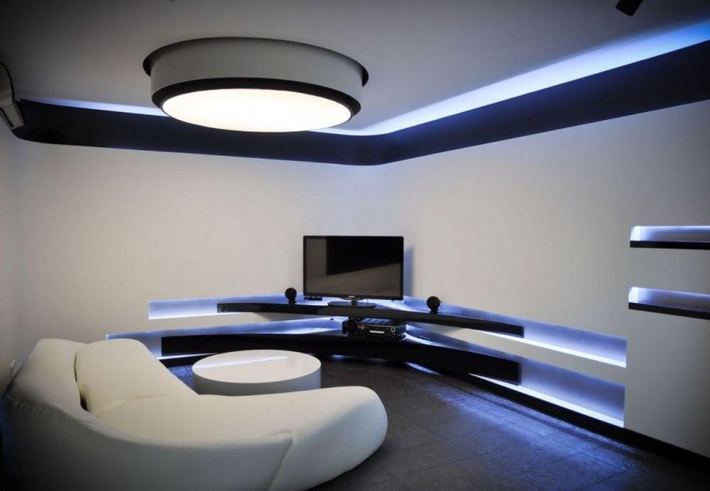 sancas e nichos com fitas de LED em decoração de sala moderna