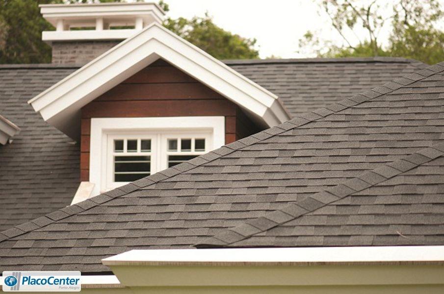 Exemplo de telhado com Telhas Shingle