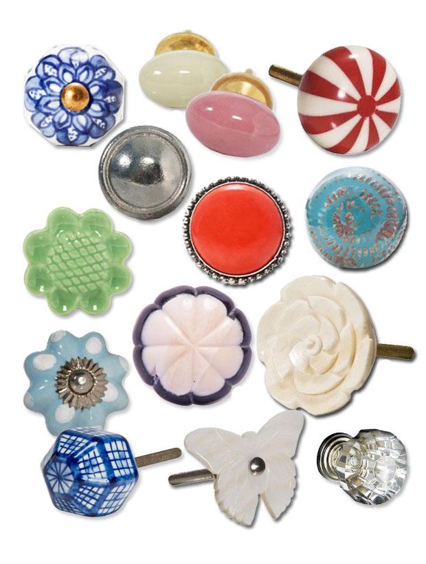 Modelos de puxadores para móveis de diferentes modelos em plástico e acrílico