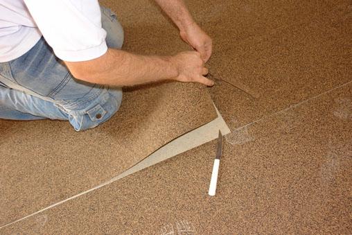 Colocação da manta de cortiça sob o piso