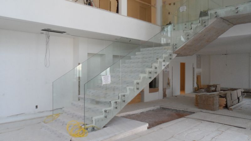 Guarda corpo de vidro de escada com vidro laminado