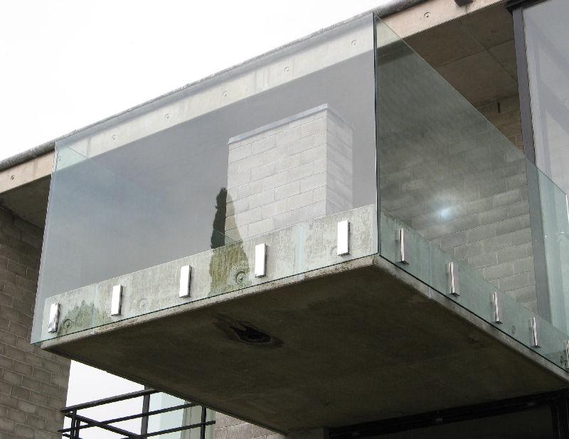 Guarda corpo de vidro de sacada de vidro