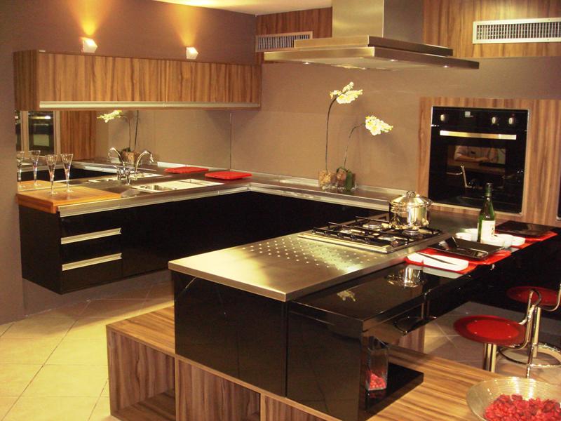 Bancada de cozinha feita em granito preto São Gabriel