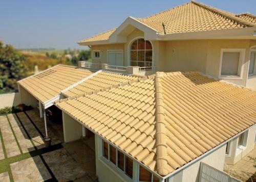 foto de telhado colonial 4 águas