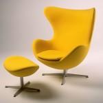 Poltrona e puff Egg, de Arne Jacobsen