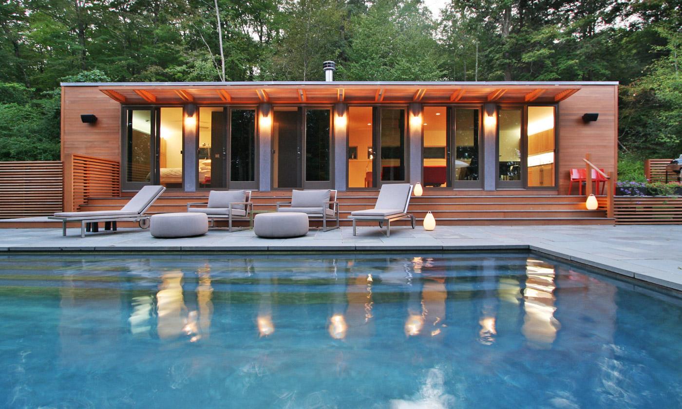 Casa moderna de madeira com piscina