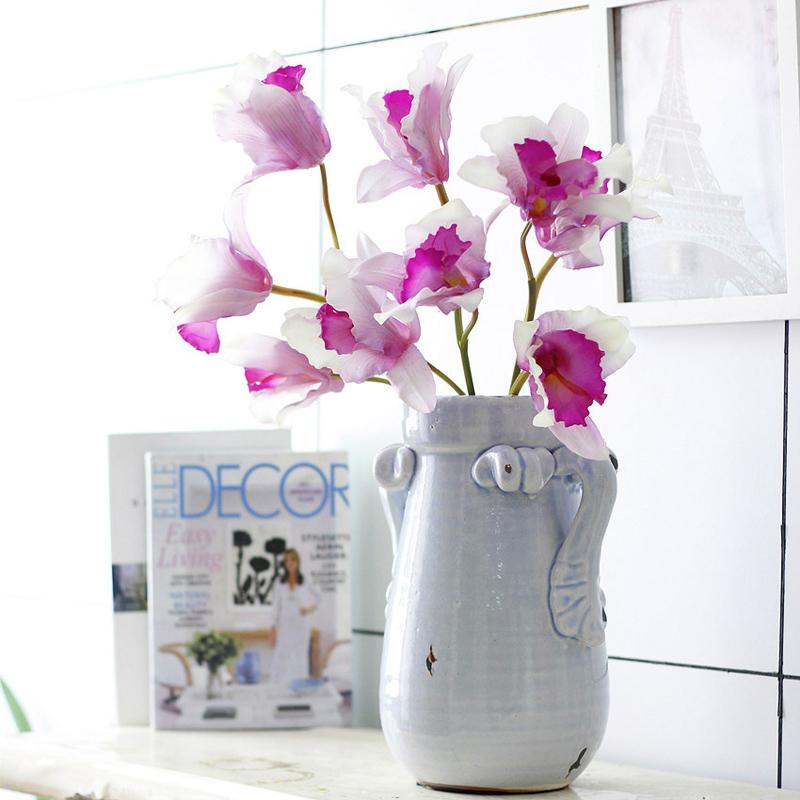 Cattleya - outra espécie de orquídea, com diferentes cores, que fica linda na decoração de interiores