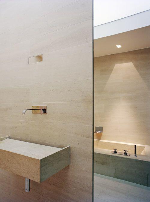 limestone claro no banheiro