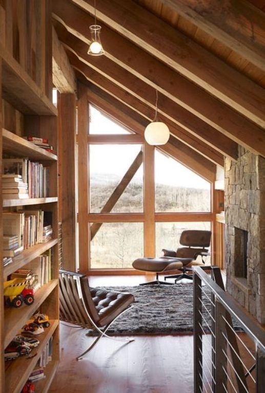 O design da poltrona Eames combina super bem com ambientes de madeira