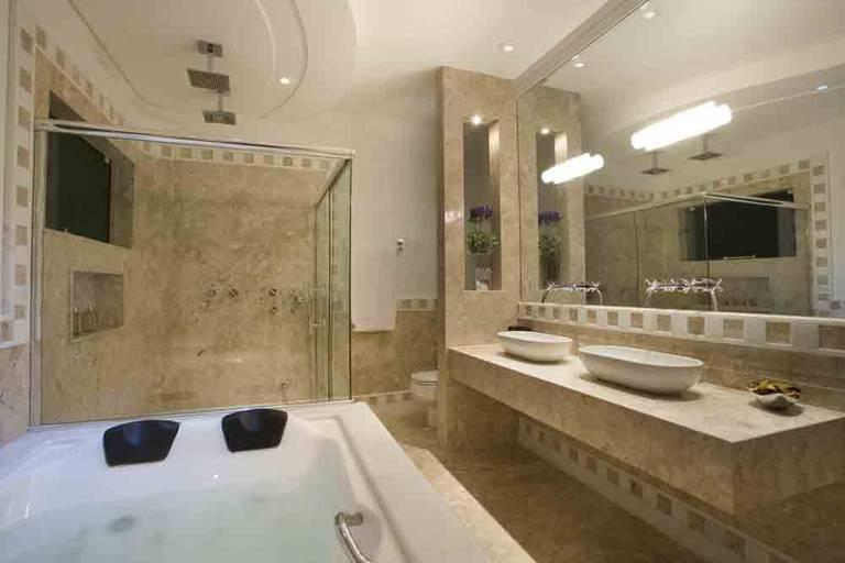 marmore-travertino-banheiro