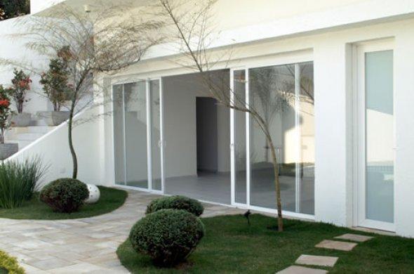 Porta de vidro de correr com caixilho de PVC para grandes planos de vidro