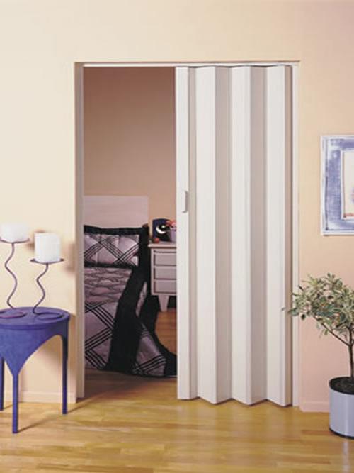 Posta sanfonada simples de PVC branco para abertura de quarto