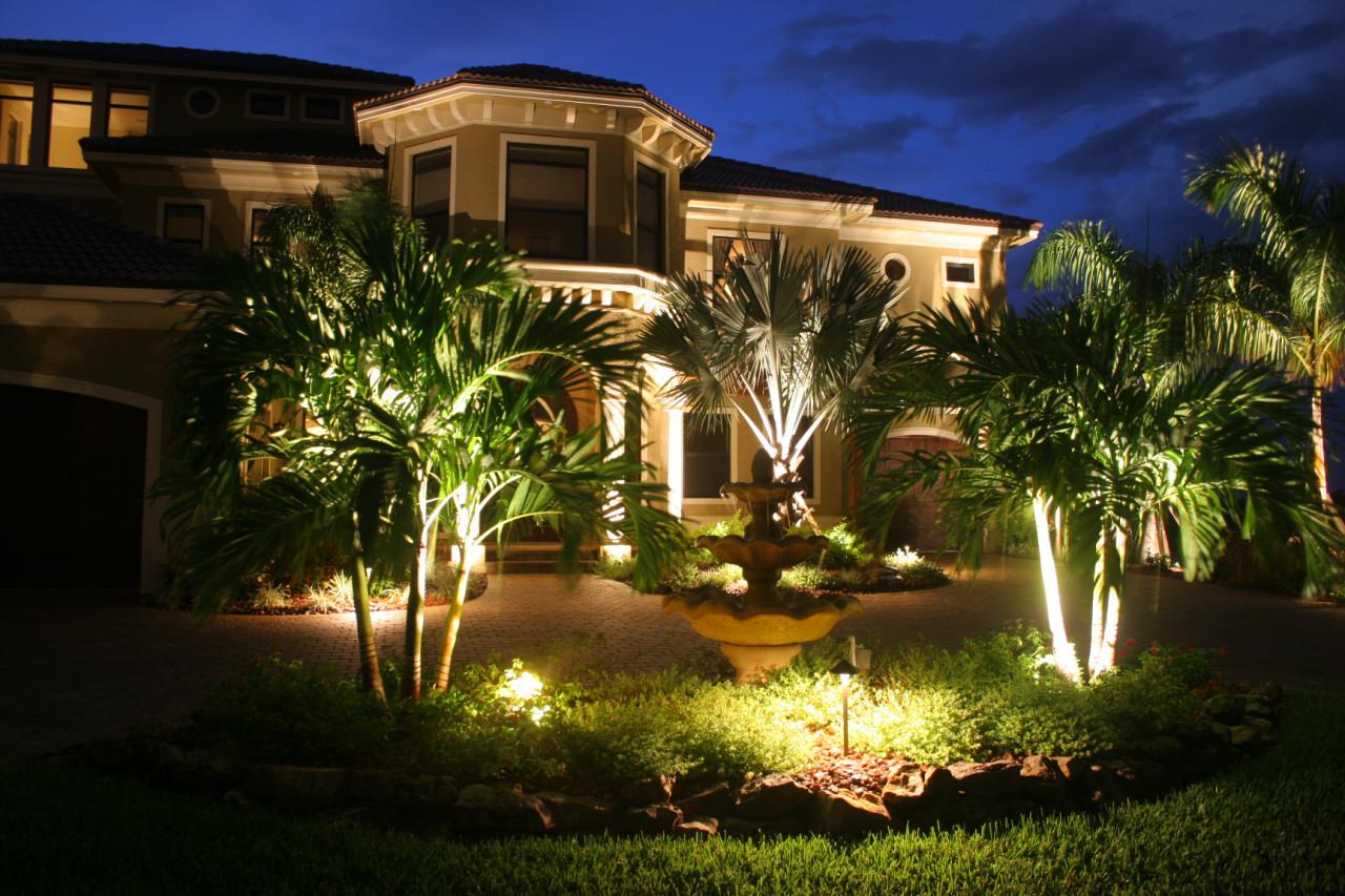 Uso de refletores LED para iluminação do jardim