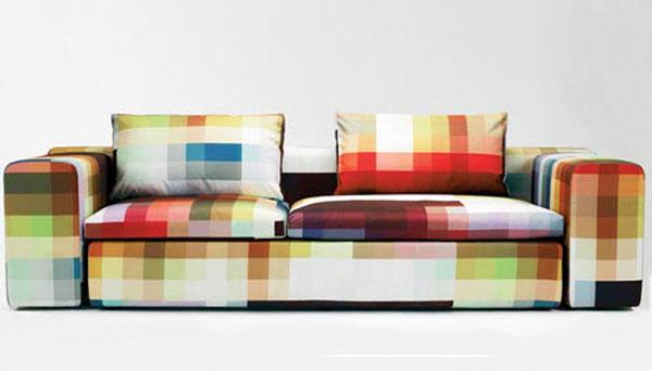Esse modelo intencionalmente extrapola as cores normalmente usadas para estampar sofás