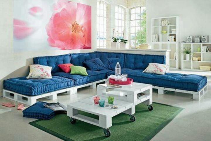 Sofá de Pallets, uma nova tendência no uso de materiais reciclados na decoração