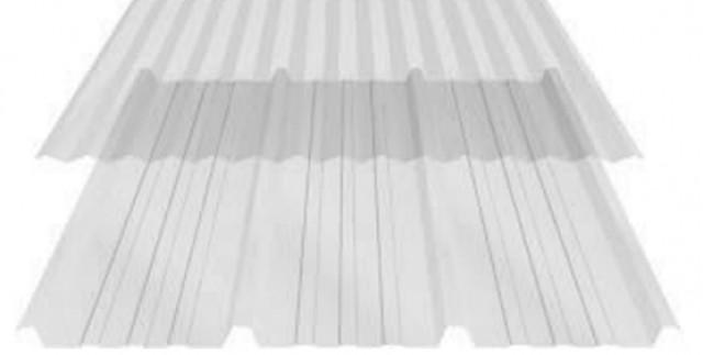 Telha translúcida de policarbonato trapezoidal