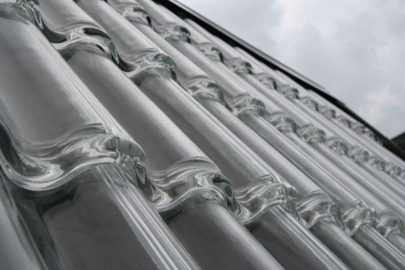 Telhado com telhas de vidro