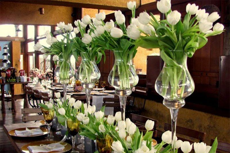 Arranjos florais com uso de tulipas