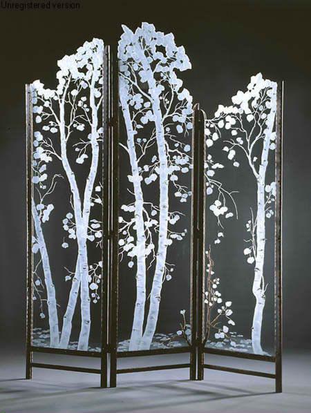 Outro item de decoração sensacional é este biombo jateado em vidro, puramente decorativo