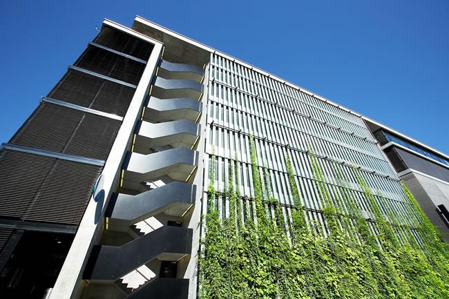 fachada verde edifício