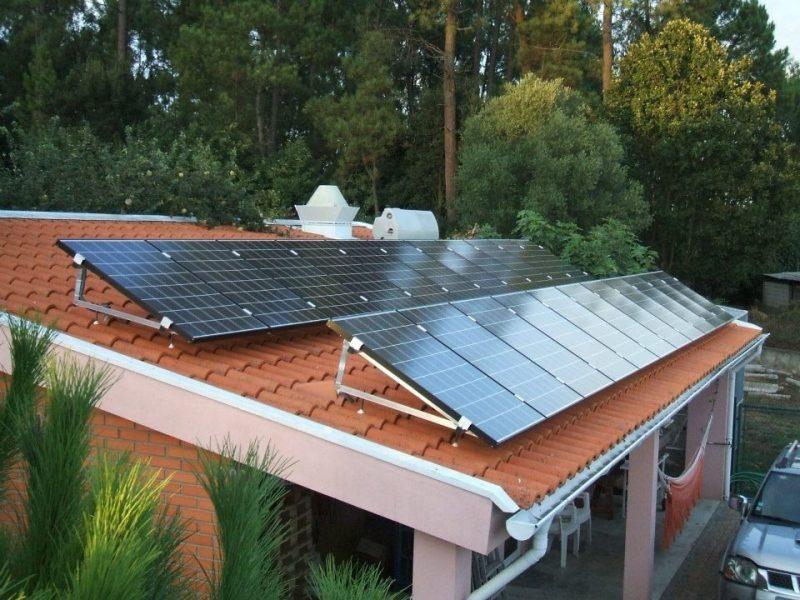 Placas fotovoltaicas para geração de energia solar residencialPlacas fotovoltaicas para geração de energia solar residencial