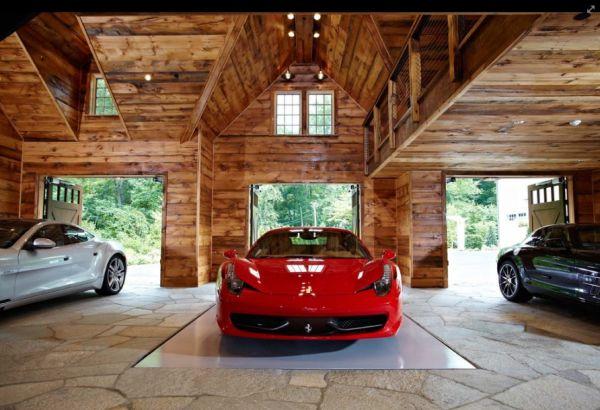 Garagem de luxo com piso de pedra