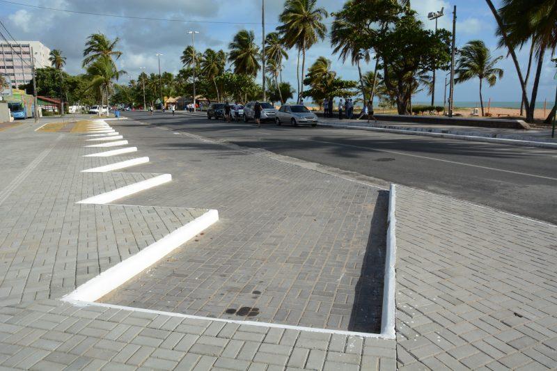 Piso concreto em calçada