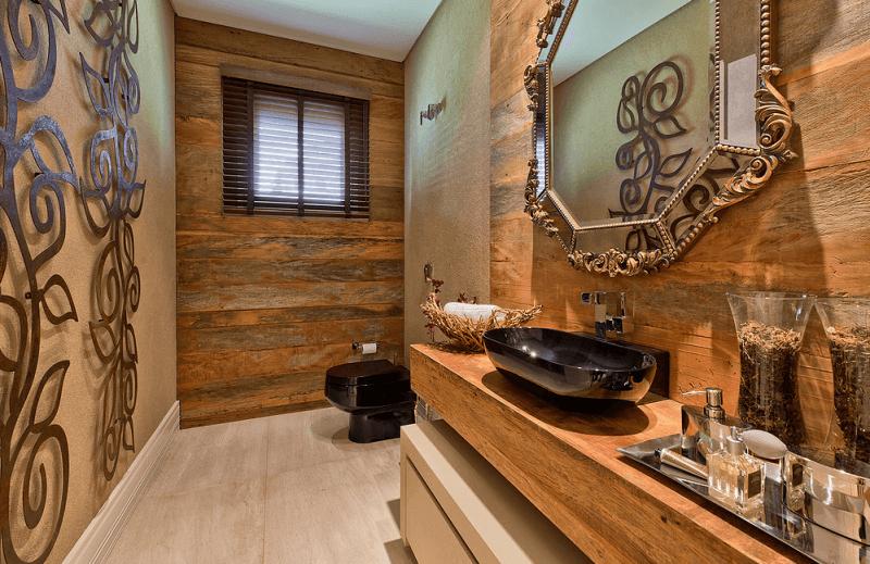 Lavabo de madeira de demolição com elementos decorativos rústicos